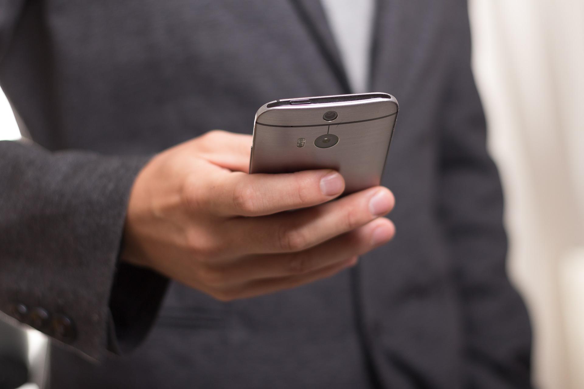 Pozor na podvodné SMS. Napadají mobilní bankovnictví