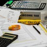 Stát vybral na daních v prvním čtvrtletí o patnáct procent méně než před rokem
