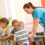 Návrat matek do práce brzdí zejména nedostatek školek ajeslí