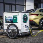 Elektromobilitu táhnou velké firmy. Lákají je třetinové náklady idotace