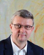 Havlíček je místopředsedou vládní RVVI aděkanem na VŠFS