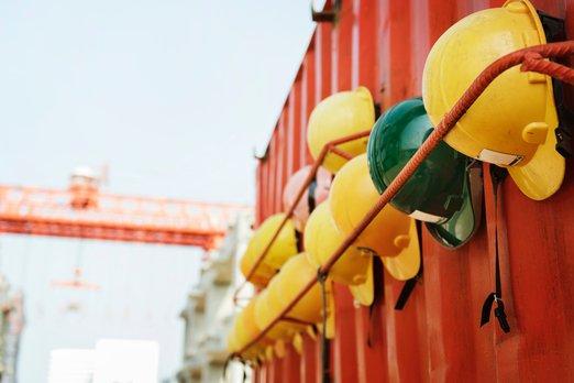 Firmy často podceňují bezpečnost práce. Menší častěji než velké