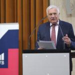 Václav Klaus: Blud vědecko-technické revoluce se opět opakuje