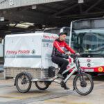 Ve Vídni testuje dopravní podnik rozvoz potravin zgaráží na kolech