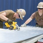 Žen zaměstnaných vprůmyslu přibývá. Vliv na to má iautomatizace
