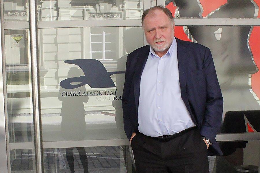 Tomáš Sokol: Klient se musí rozhodnout, zda chce profesionálního advokáta, nebo holomka práva