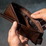Sedmdesát pět procent Čechů zažilo v životě tíživou finanční situaci