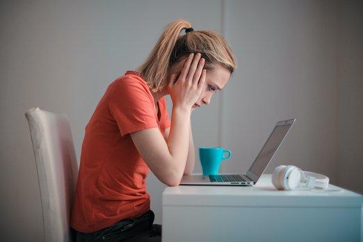 Změnu práce zvažuje každý osmý zaměstnanec. Hlavními důvody jsou peníze a ztráta důvěry k firmě