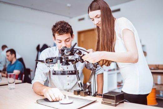 Spolupráce se školami je pro firmy stále důležitější, zejména vtechnických oborech