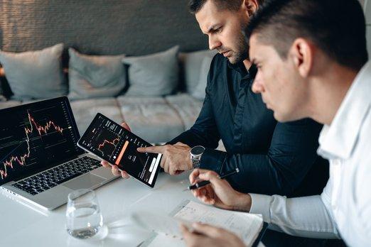 Podle průzkumu společnosti Accenture se frekvence kybernetických útoků vprvní polovině roku 2021 více než zdvojnásobila
